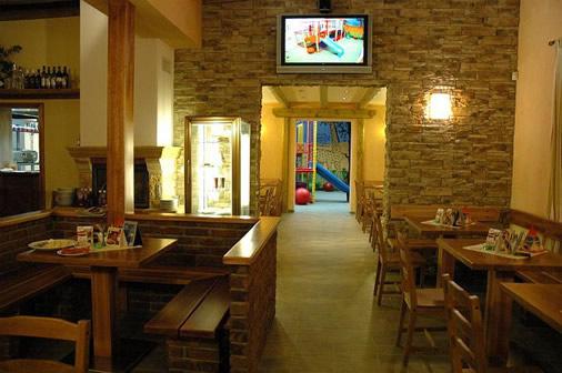 Restaurace pod Šostýnem, Kopřivnice: Restaurace přátelská k rodinám s dětmi