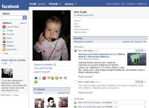 Facebook už umí česky